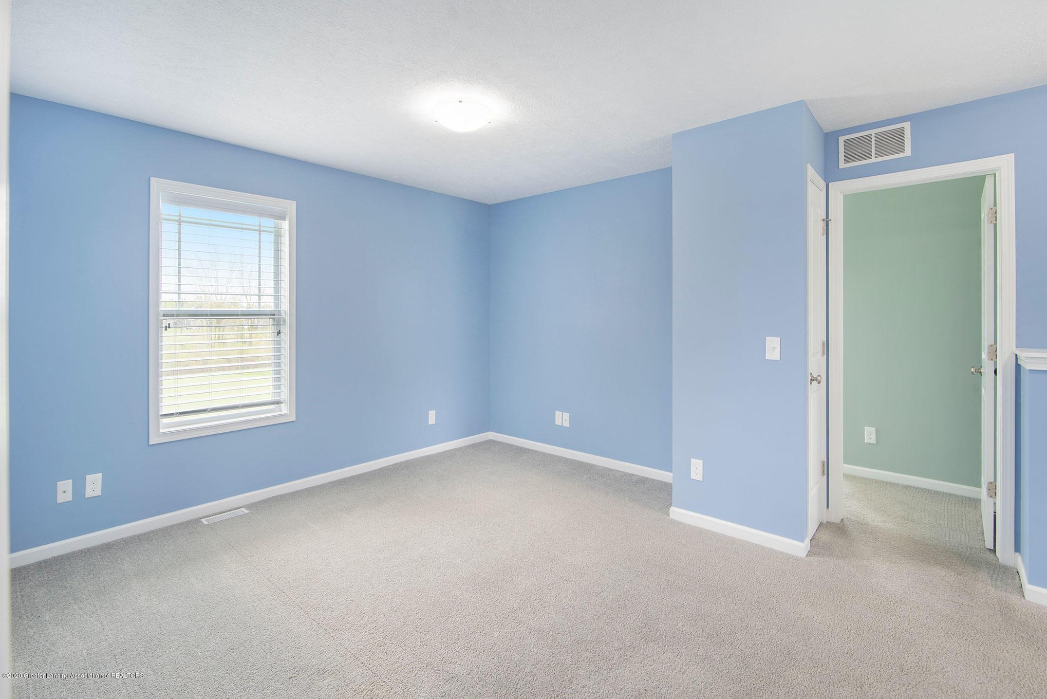 2818 Kittansett Dr - Bonus Room - 40