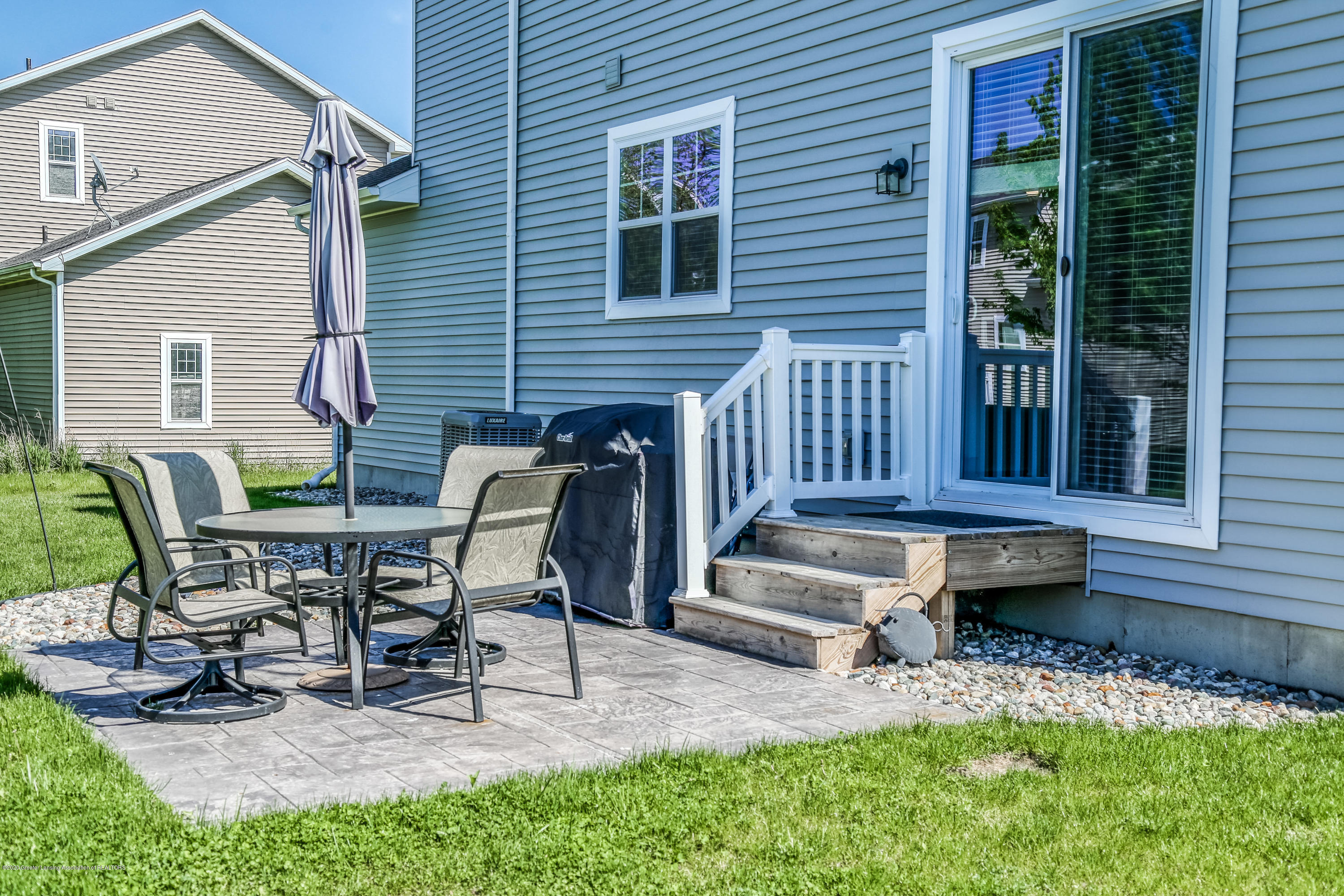 636 Buteo Dr - Patio - 34