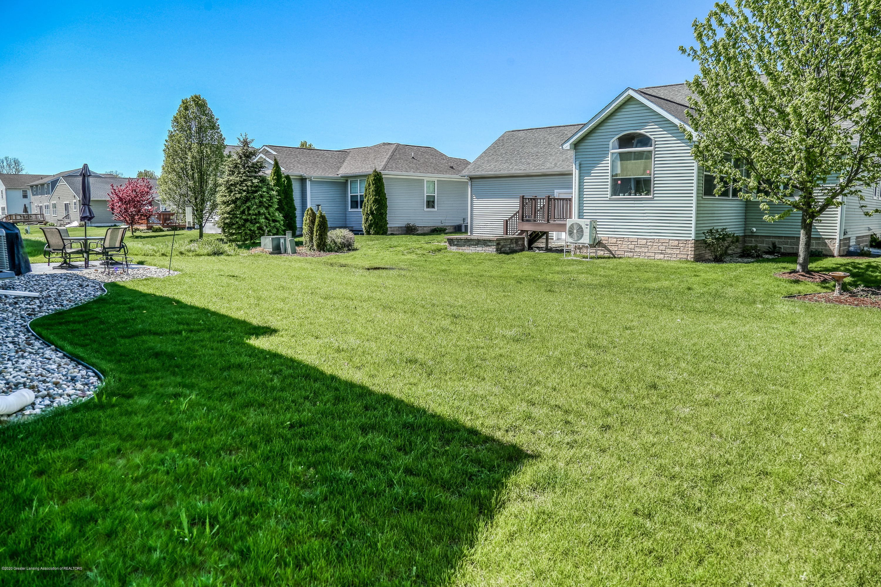 636 Buteo Dr - Back yard - 39