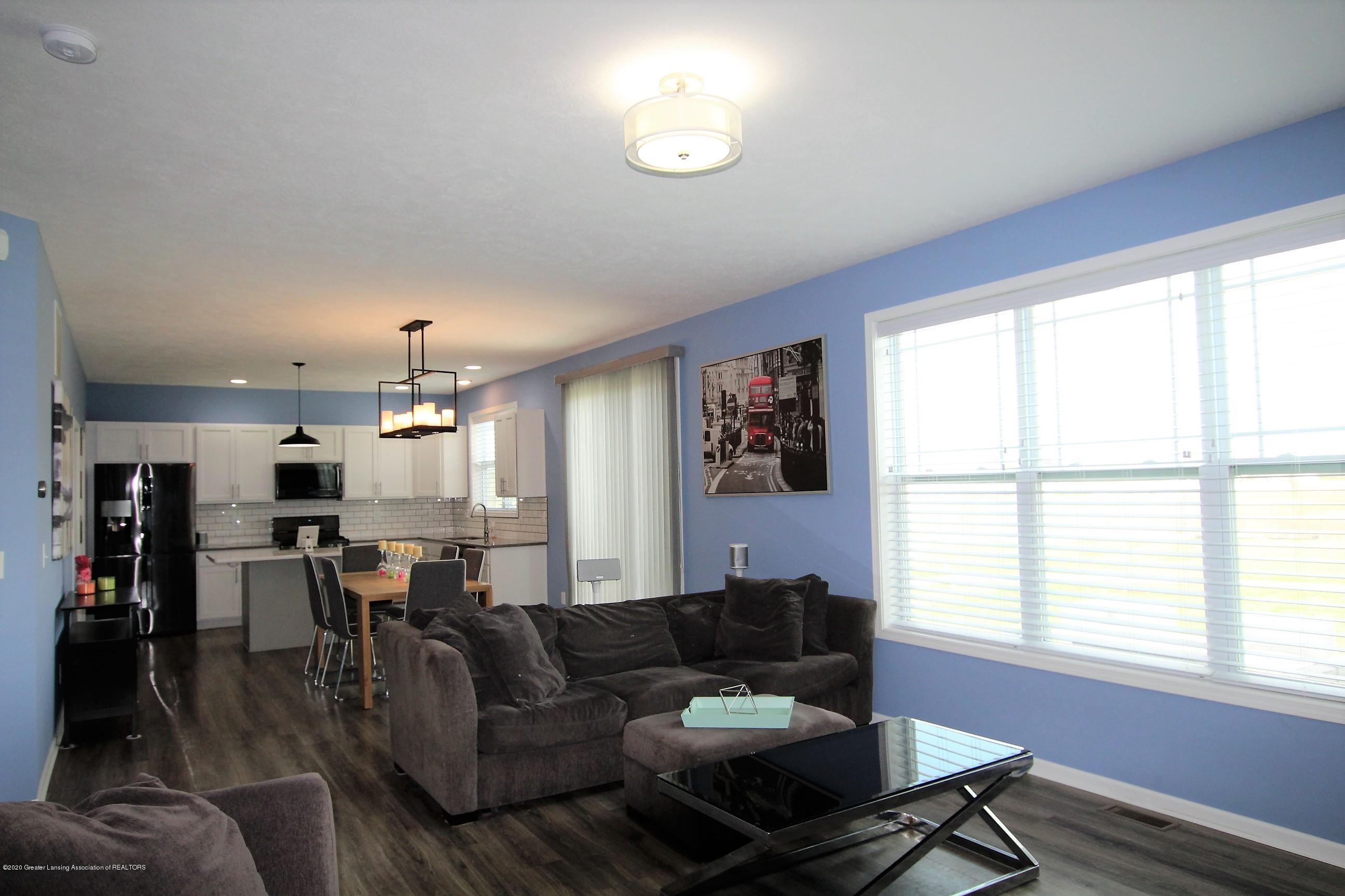 2818 Kittansett Dr - Living Room - 16