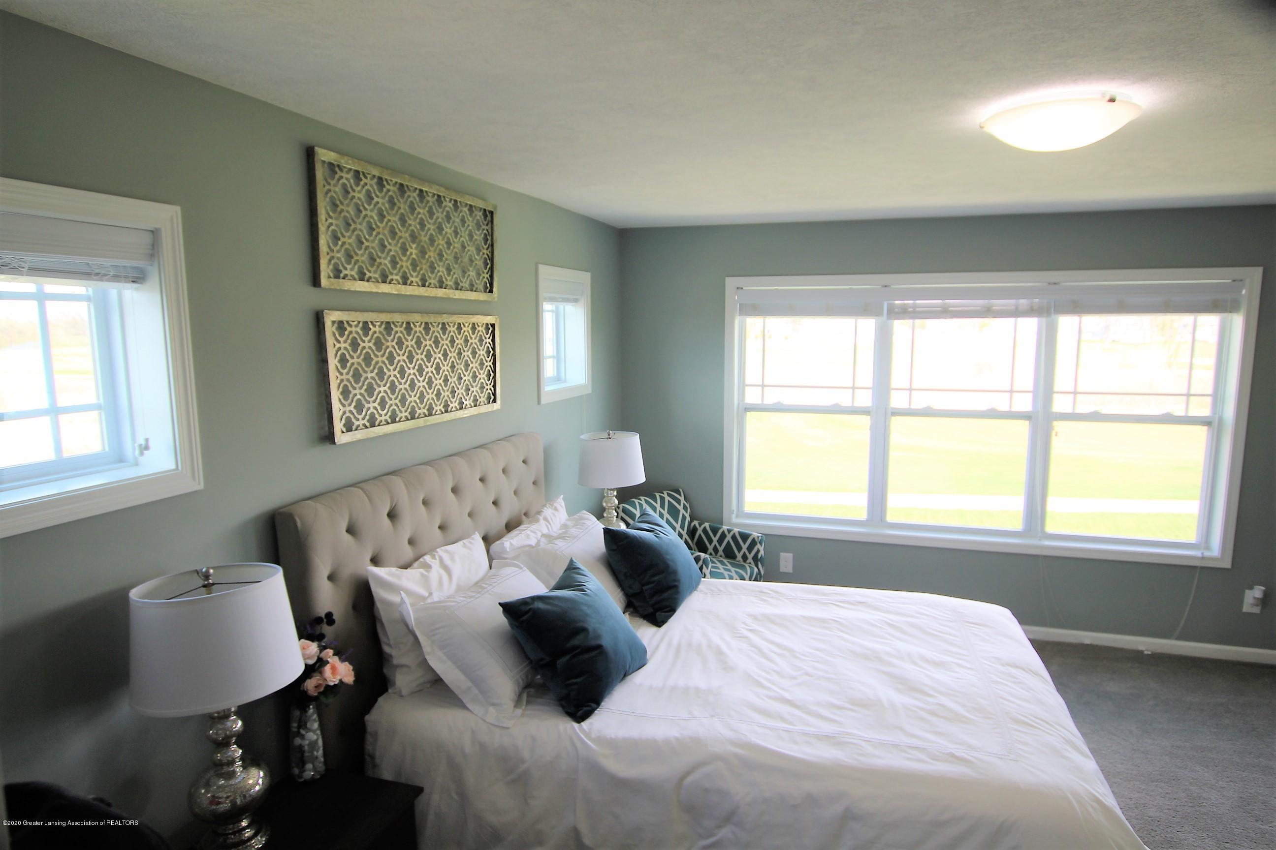 2818 Kittansett Dr - Master Bedroom - 24