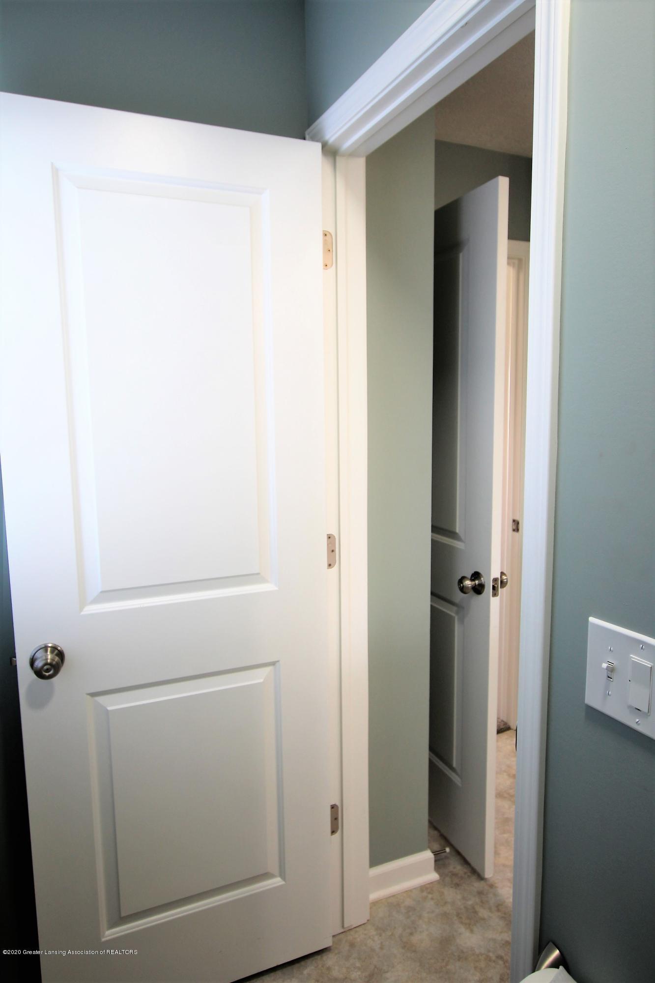 2818 Kittansett Dr - Private Toilet Closet - 34