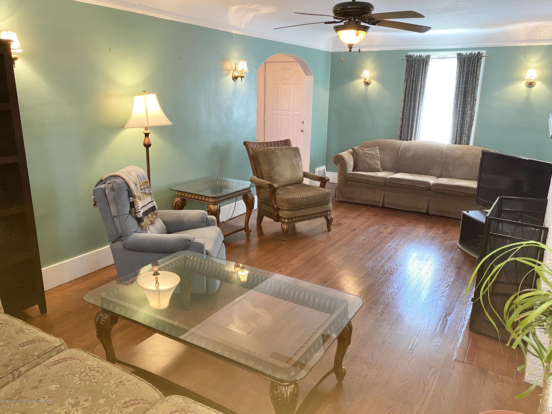 1313 Prospect St - Living Room - 9