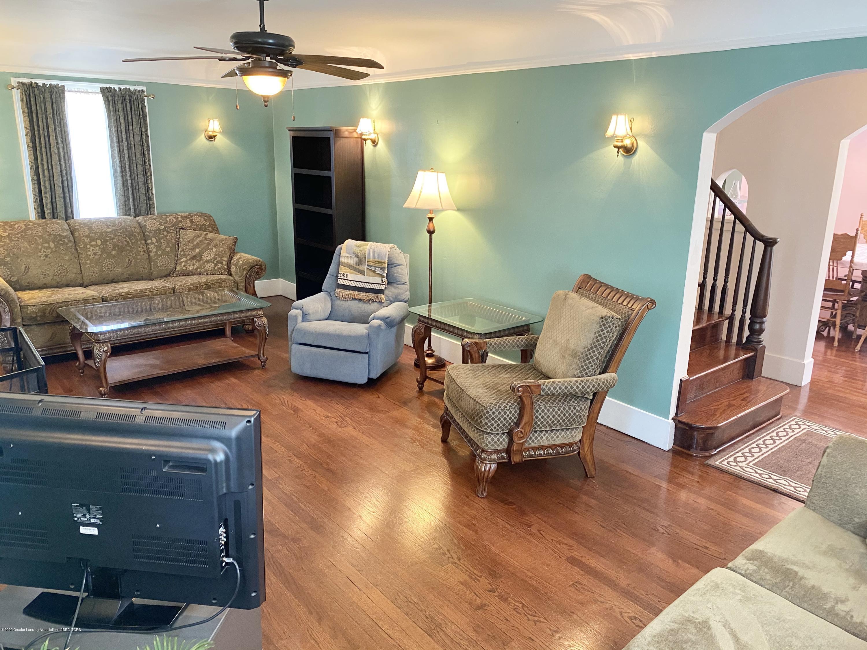 1313 Prospect St - Living Room - 10