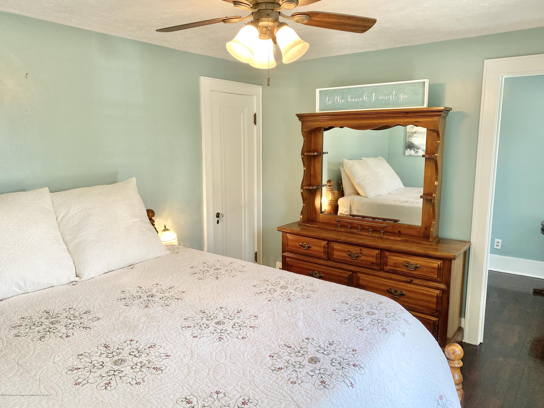 1313 Prospect St - Master Bedroom - 25