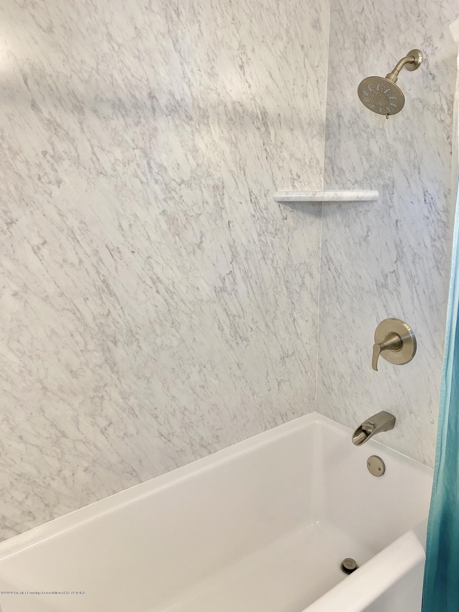 1313 Prospect St - Full Bathroom - 35