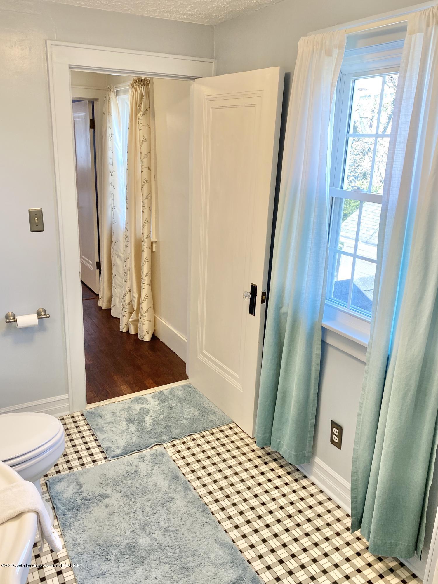 1313 Prospect St - Full Bathroom - 33