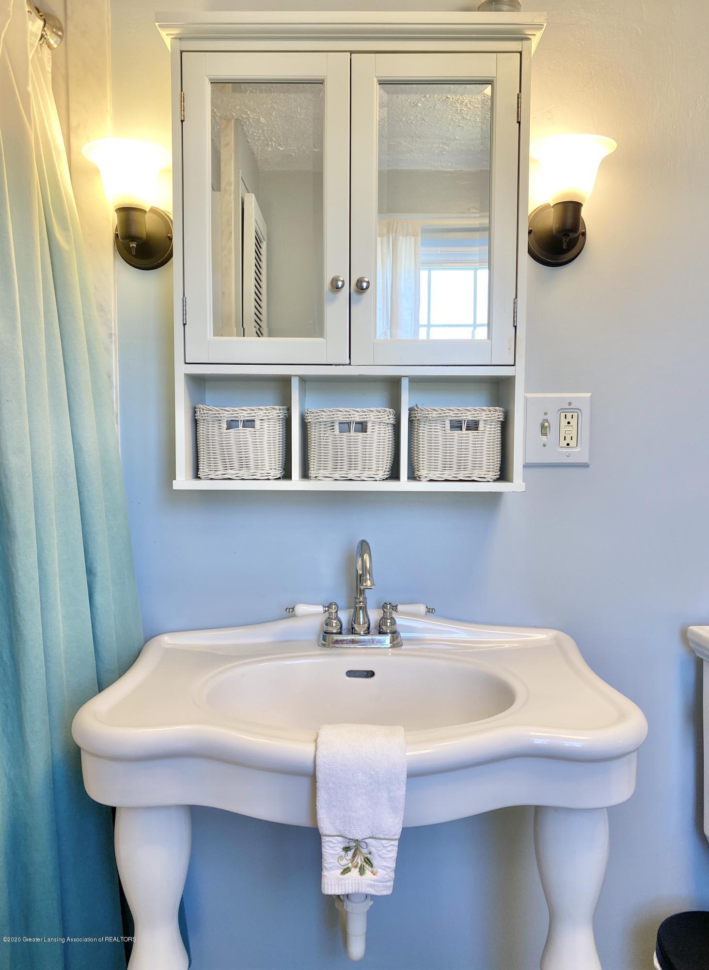 1313 Prospect St - Full Bathroom - 34