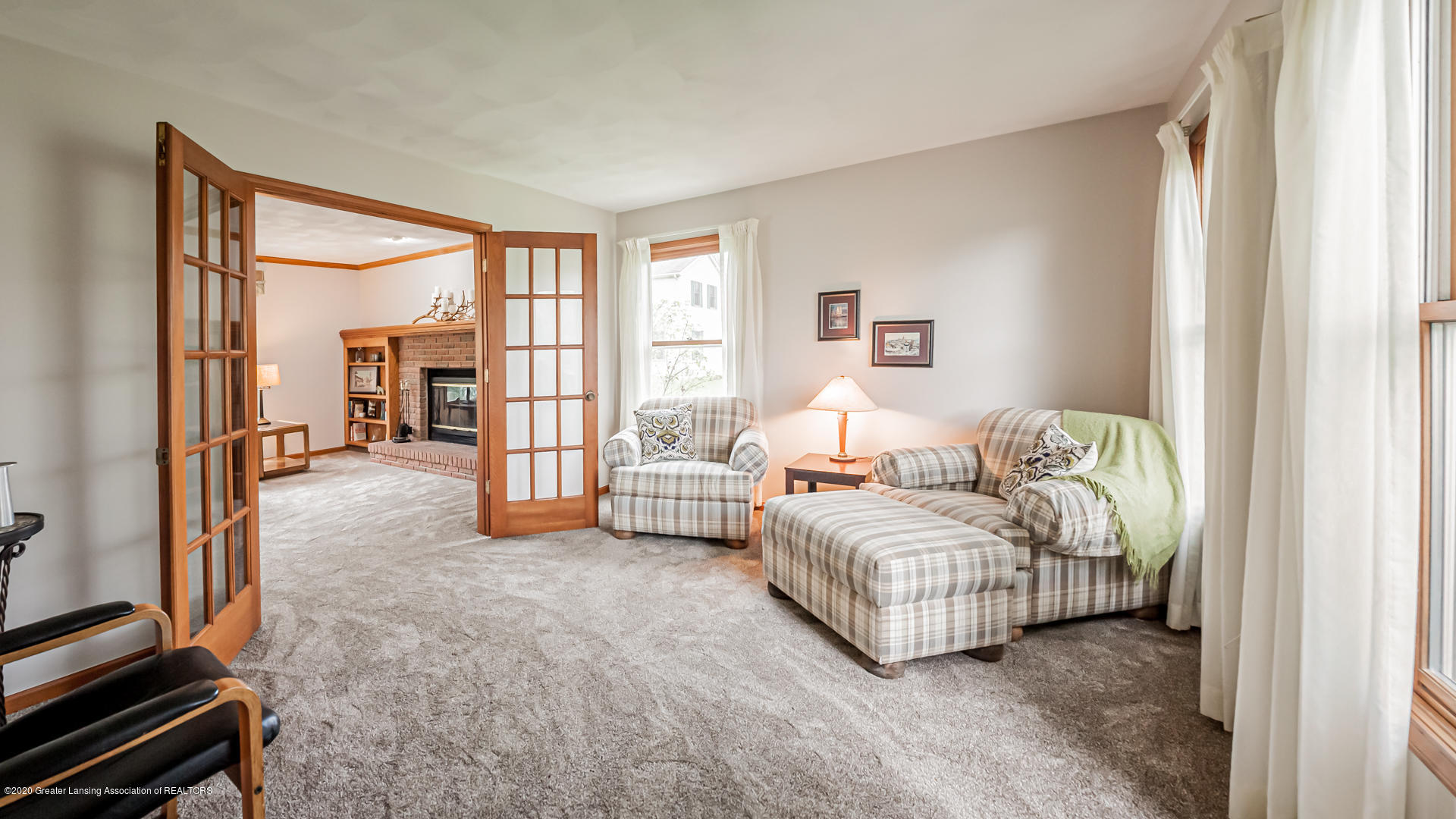 4459 Hickorywood Dr - Living Room - 10