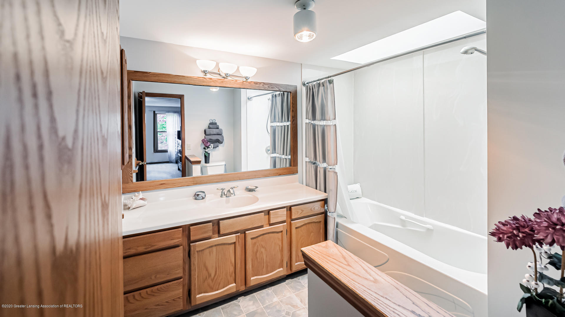 4459 Hickorywood Dr - Bathroom - 14