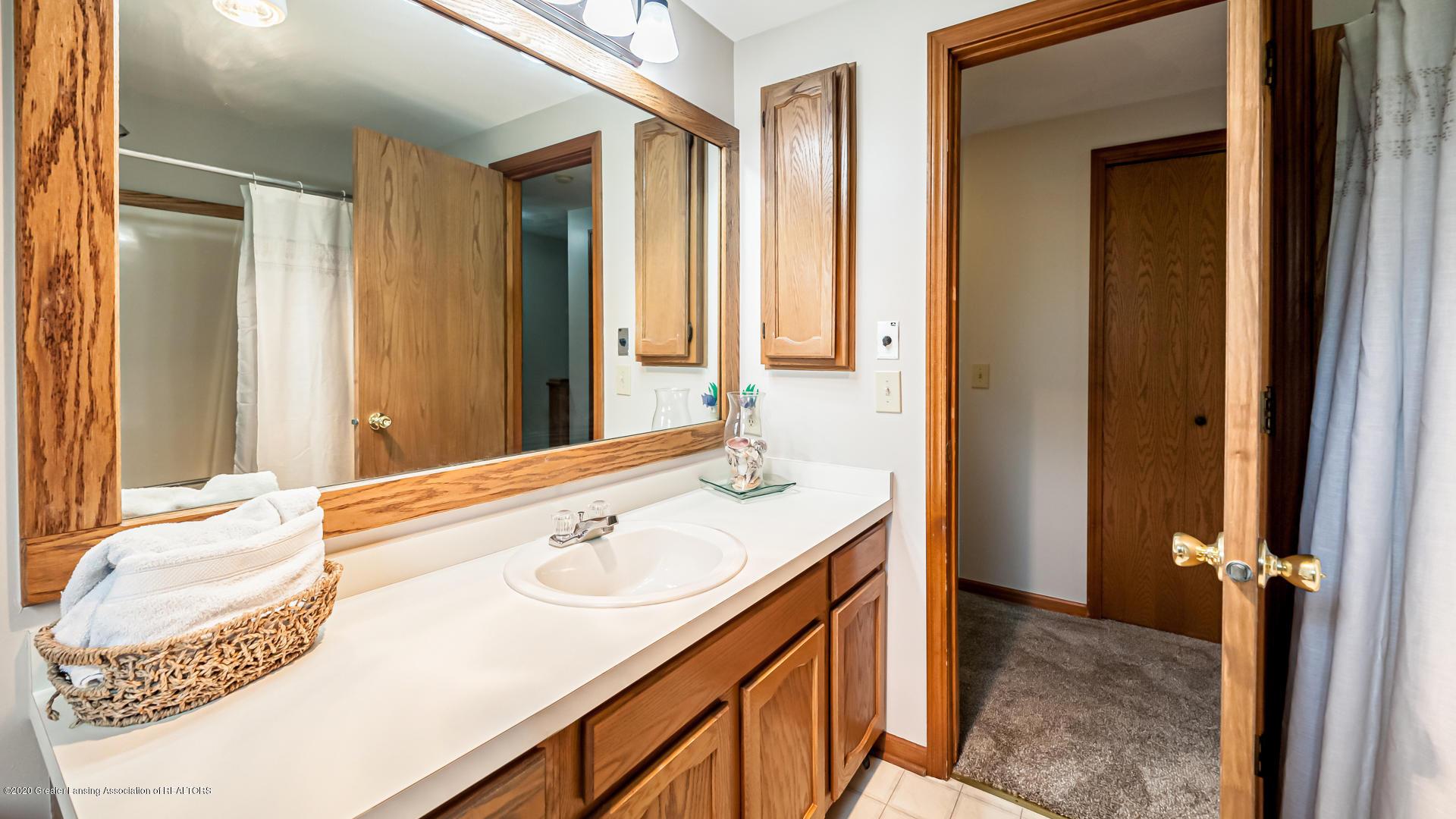 4459 Hickorywood Dr - Bathroom - 16