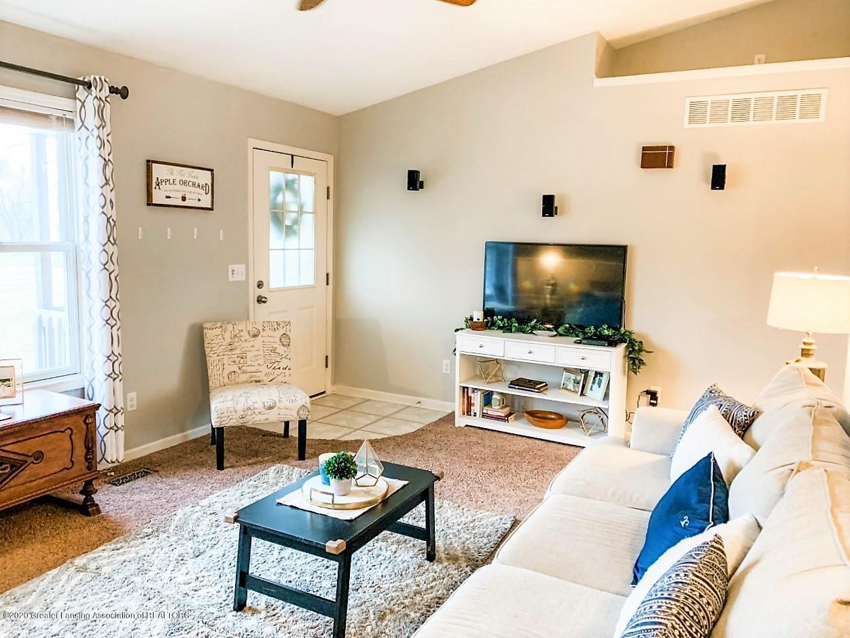 6820 Delta River Dr - Living Room w/furniture - 4