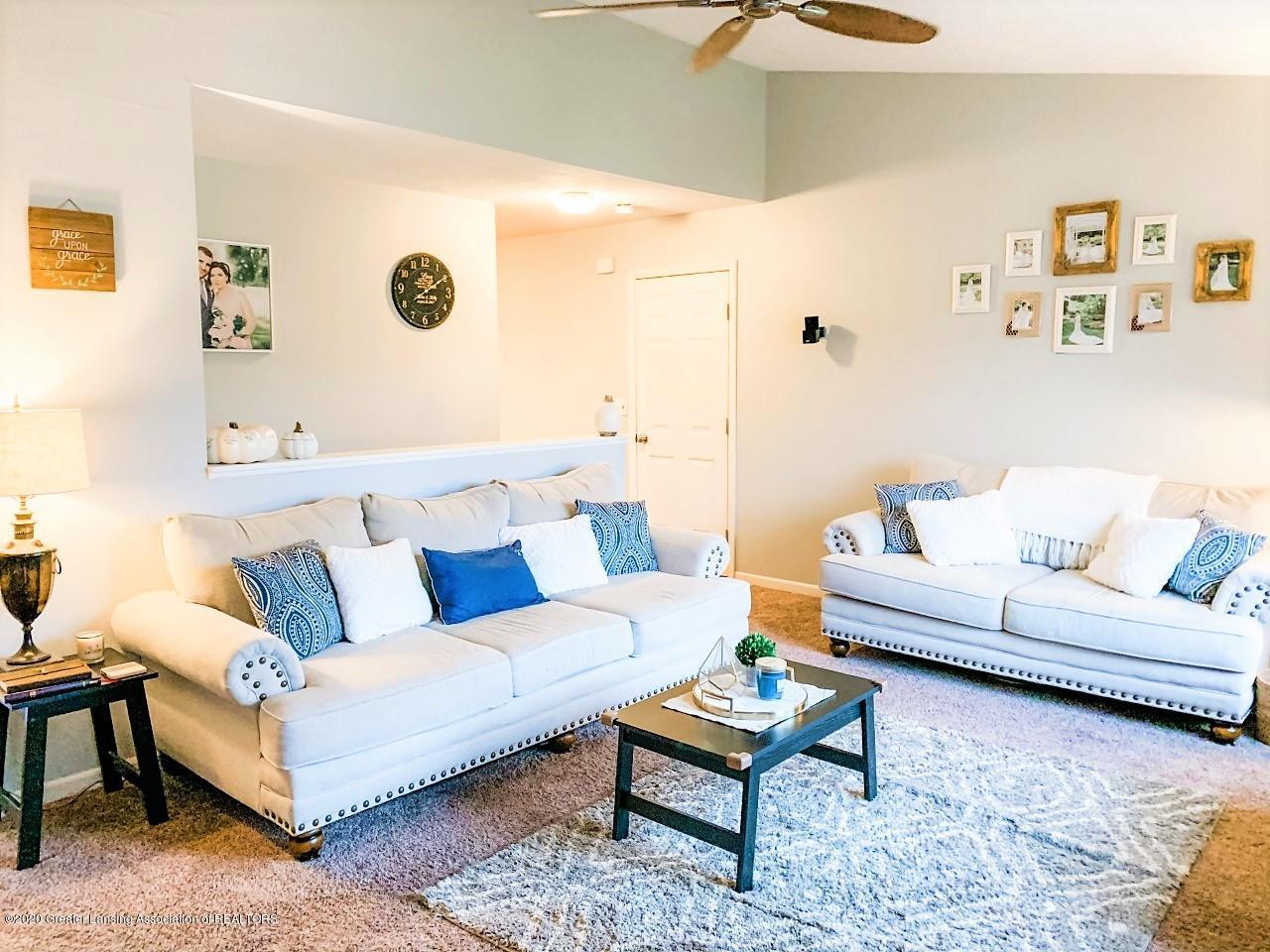 6820 Delta River Dr - Living Room w/furniture - 5