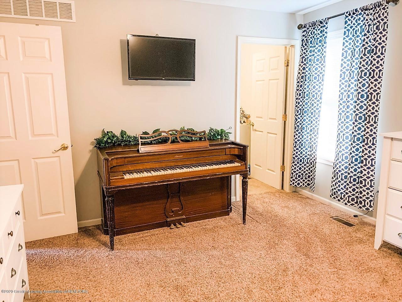 6820 Delta River Dr - Master Bedroom w/furniture - 16