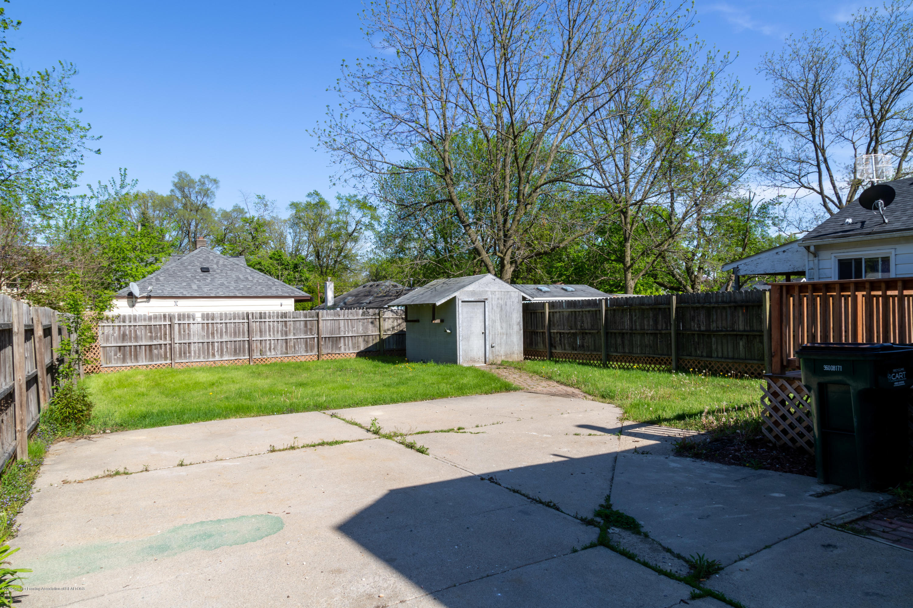3623 Burchfield Dr - 20200520-942A6604-HDR - 22