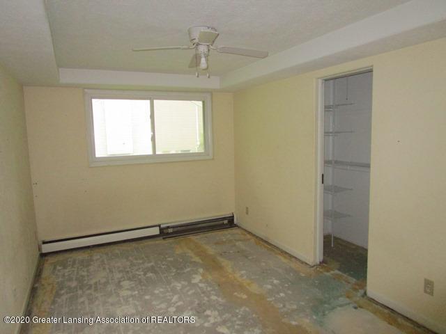 906 Maycroft Rd - bed 1 - 11
