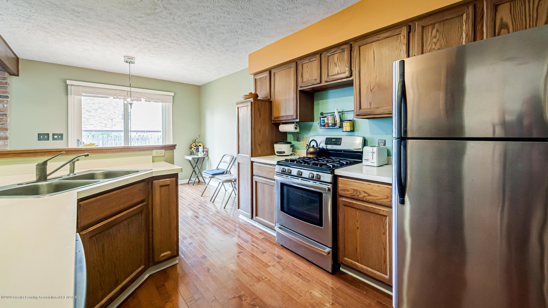 1750 Whitegate Ln 19 - Kitchen - 8
