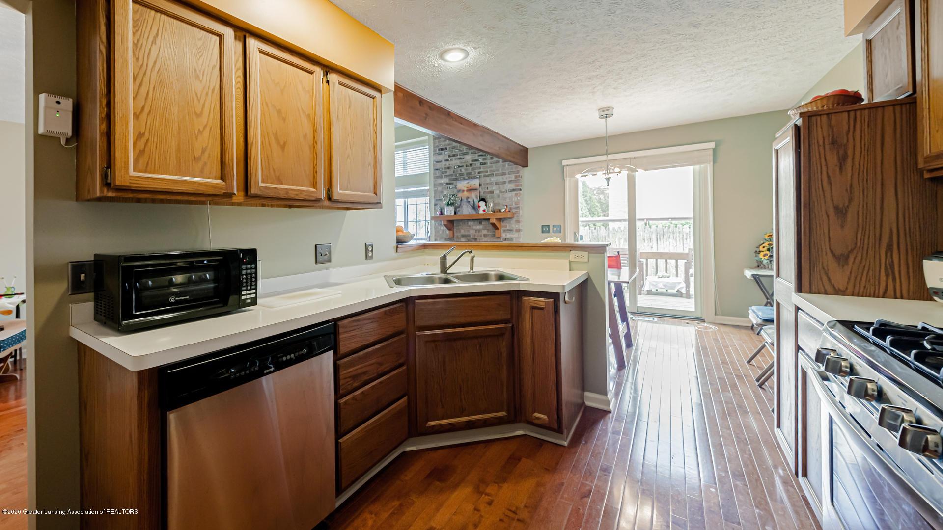 1750 Whitegate Ln 19 - Kitchen - 9