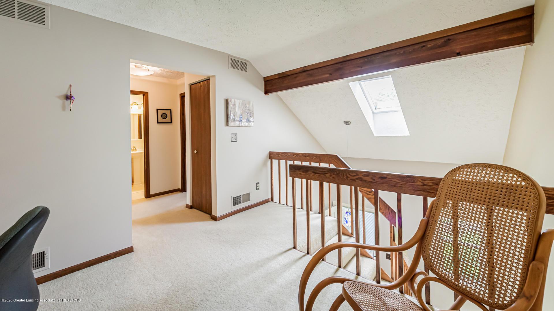 1750 Whitegate Ln 19 - Loft - 12