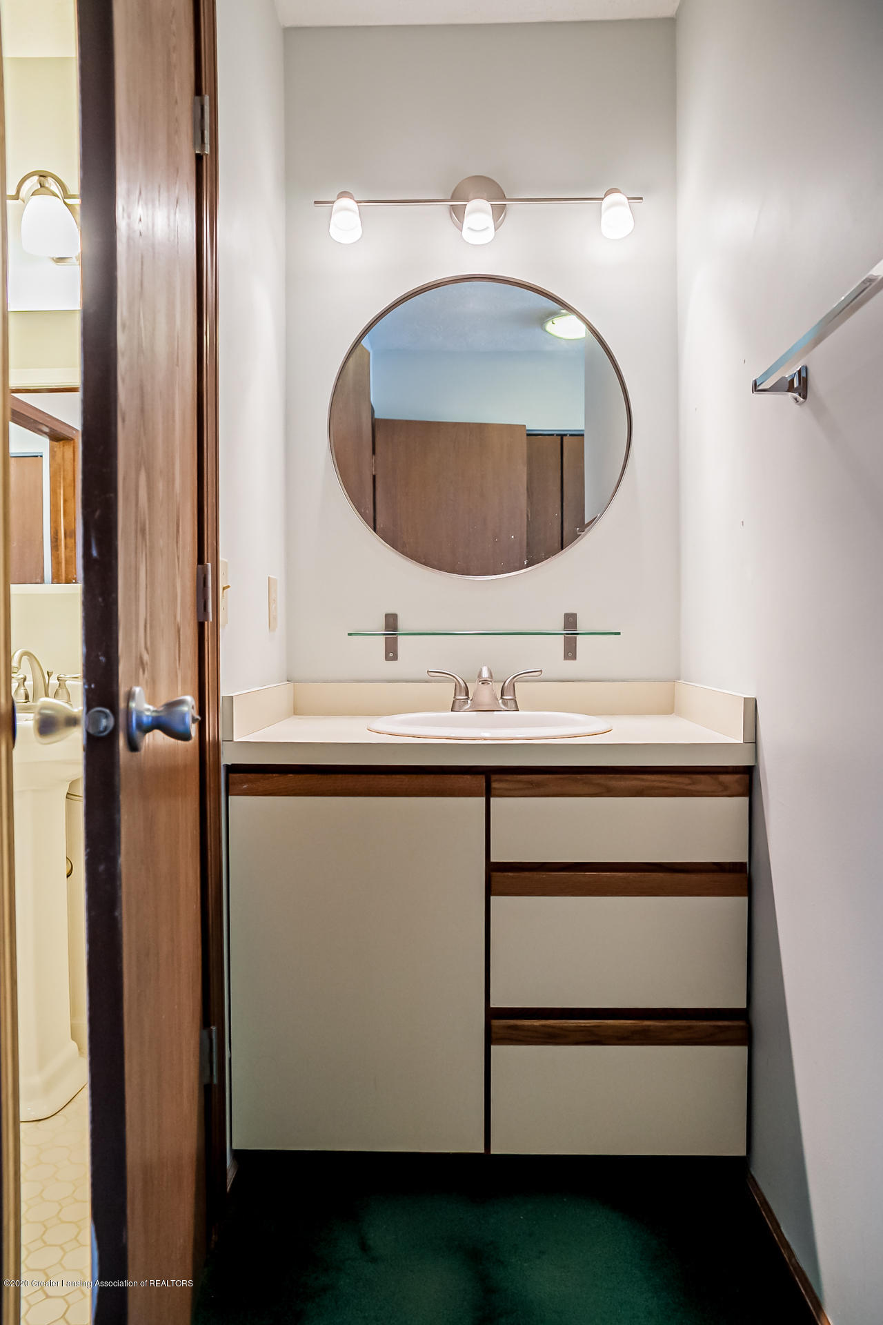 1750 Whitegate Ln 19 - Bathroom - 17