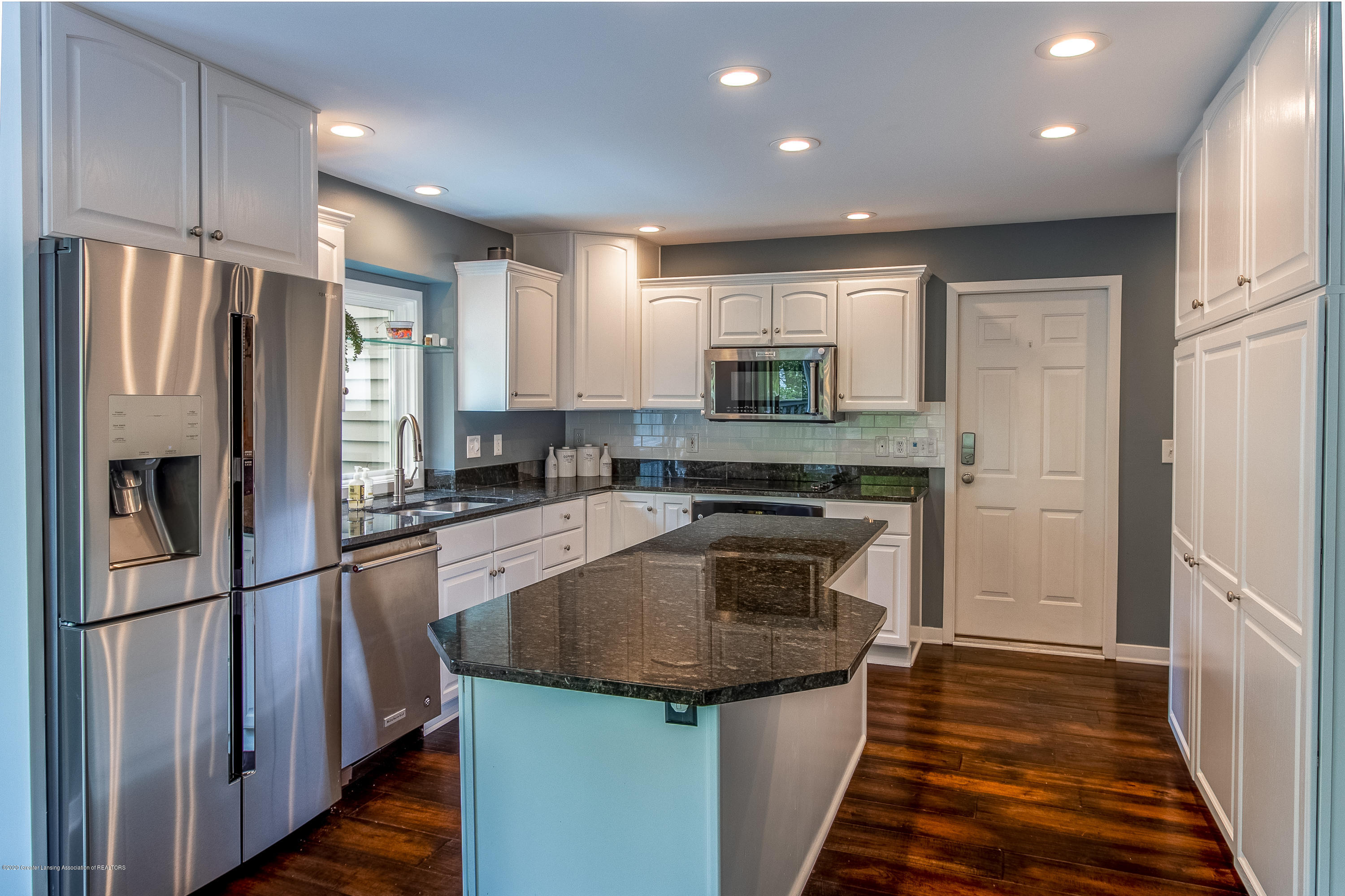 3668 Fairhills Dr - Kitchen - 39