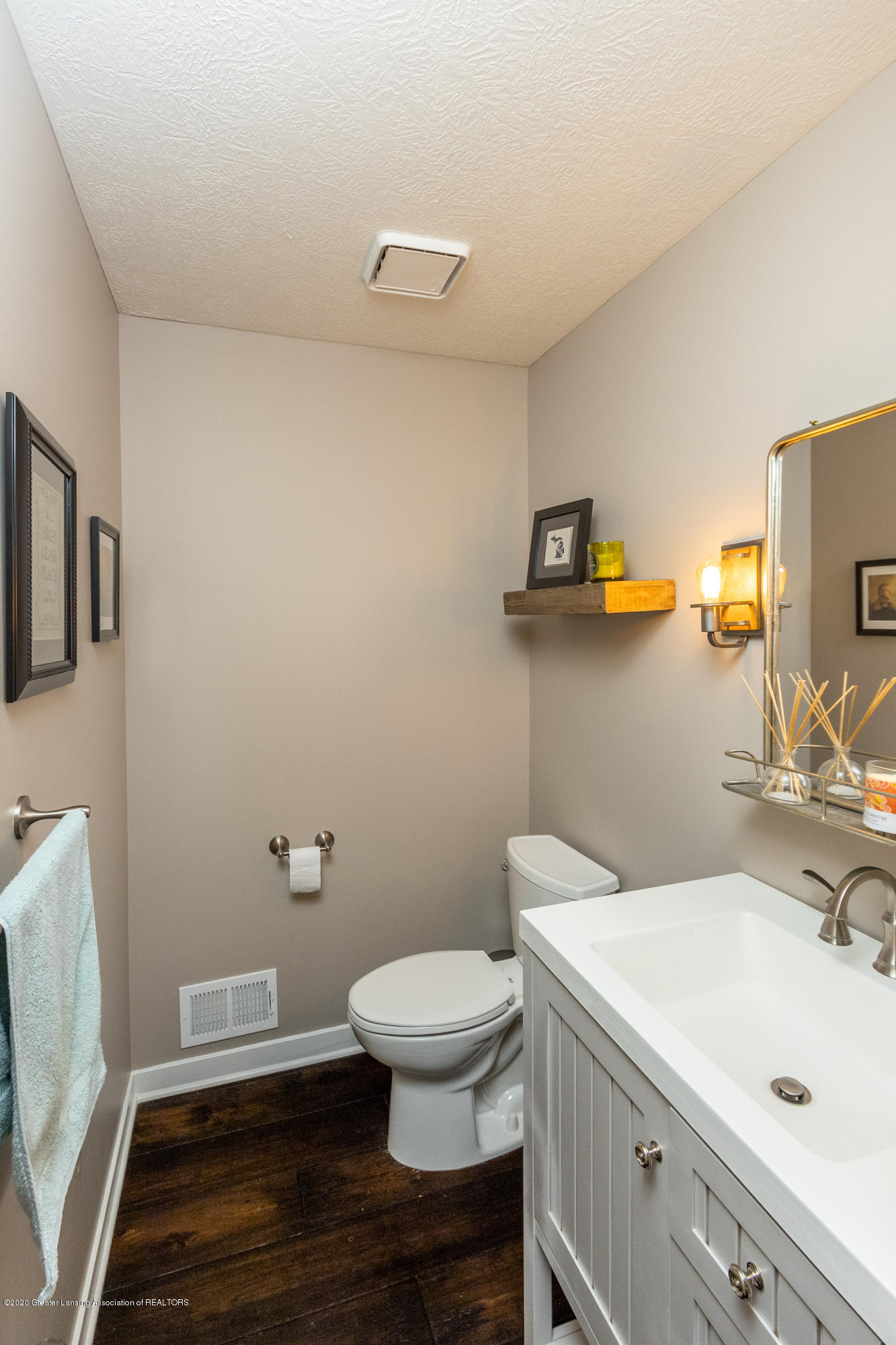 3668 Fairhills Dr - Bathroom - 49