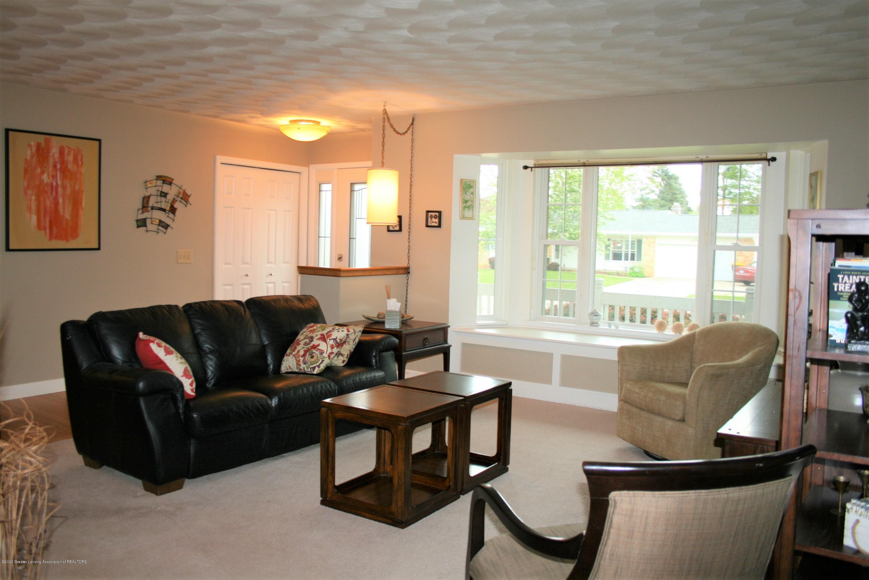 2805 Lamoreaux Ln - Living room - 3