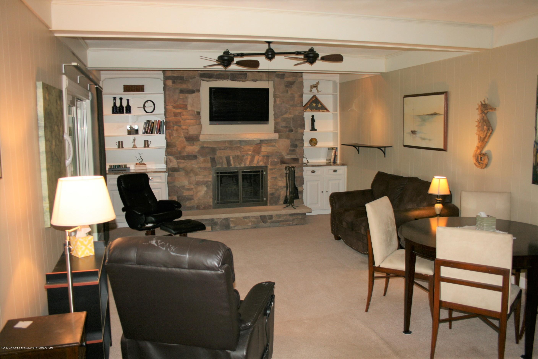 2805 Lamoreaux Ln - Family room - 13