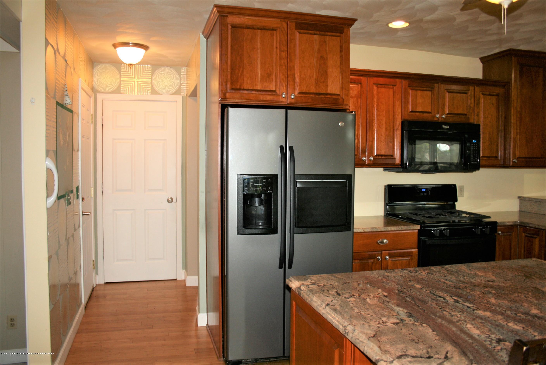 2805 Lamoreaux Ln - Kitchen - 7