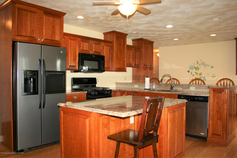 2805 Lamoreaux Ln - Kitchen - 6