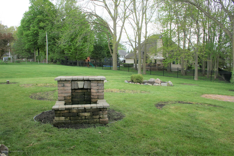 2805 Lamoreaux Ln - Yard view - 27