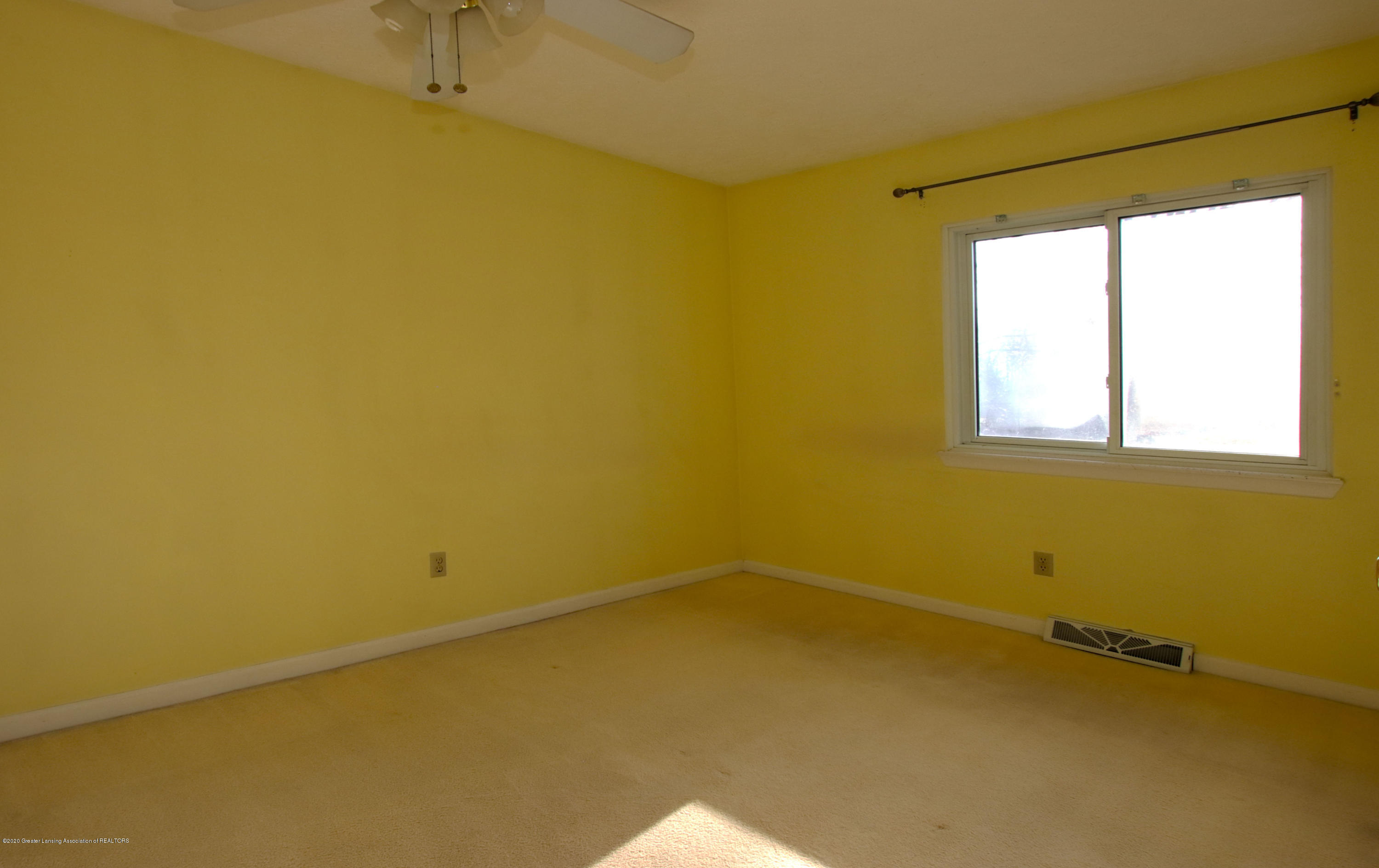 552 Armstrong Rd - BR II - 8