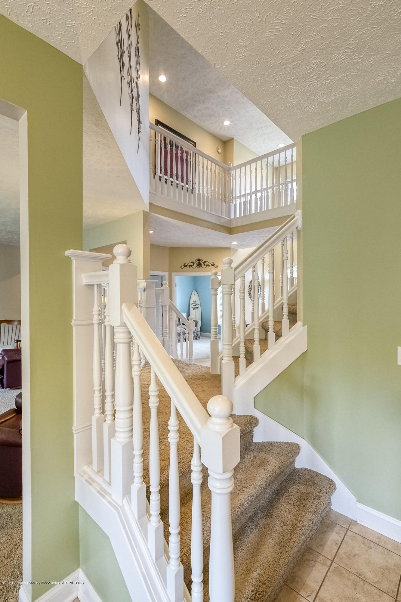 5447 Parkside - 2ND STAIRWAY - 29