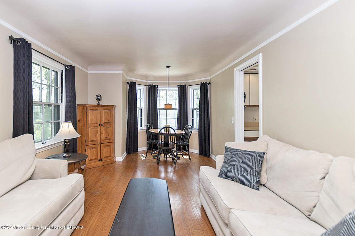 819 Huntington Rd - Living room - 5