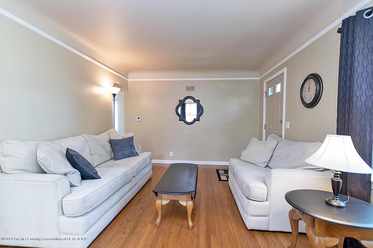 819 Huntington Rd - Living Room - 6