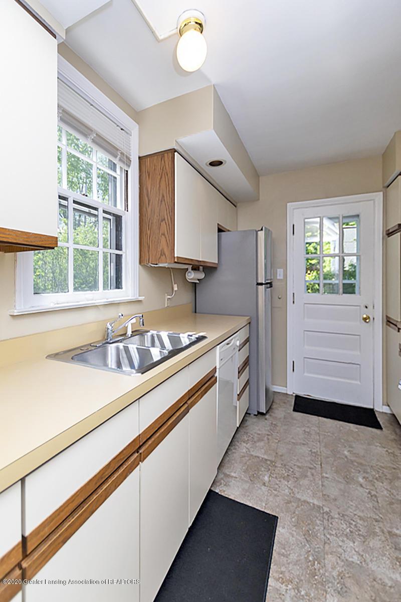819 Huntington Rd - Kitchen - 9