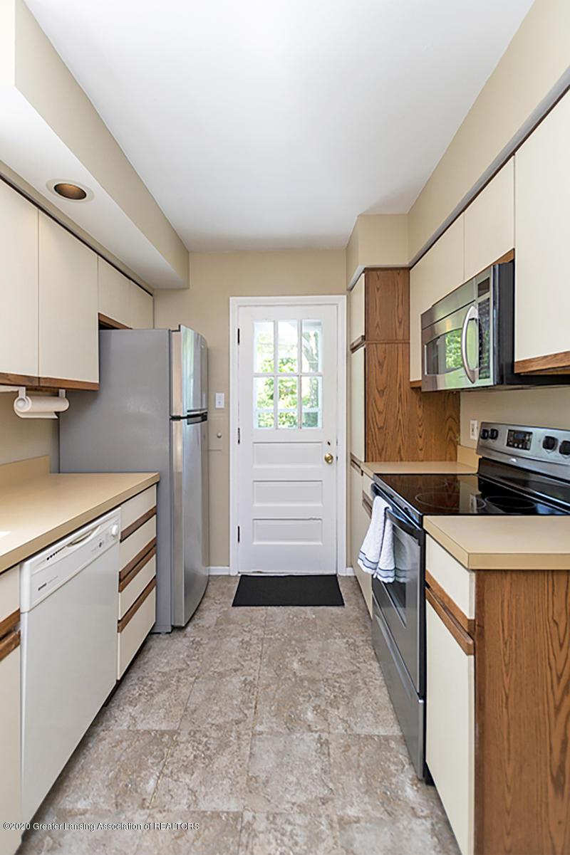819 Huntington Rd - Galley Kitchen - 10