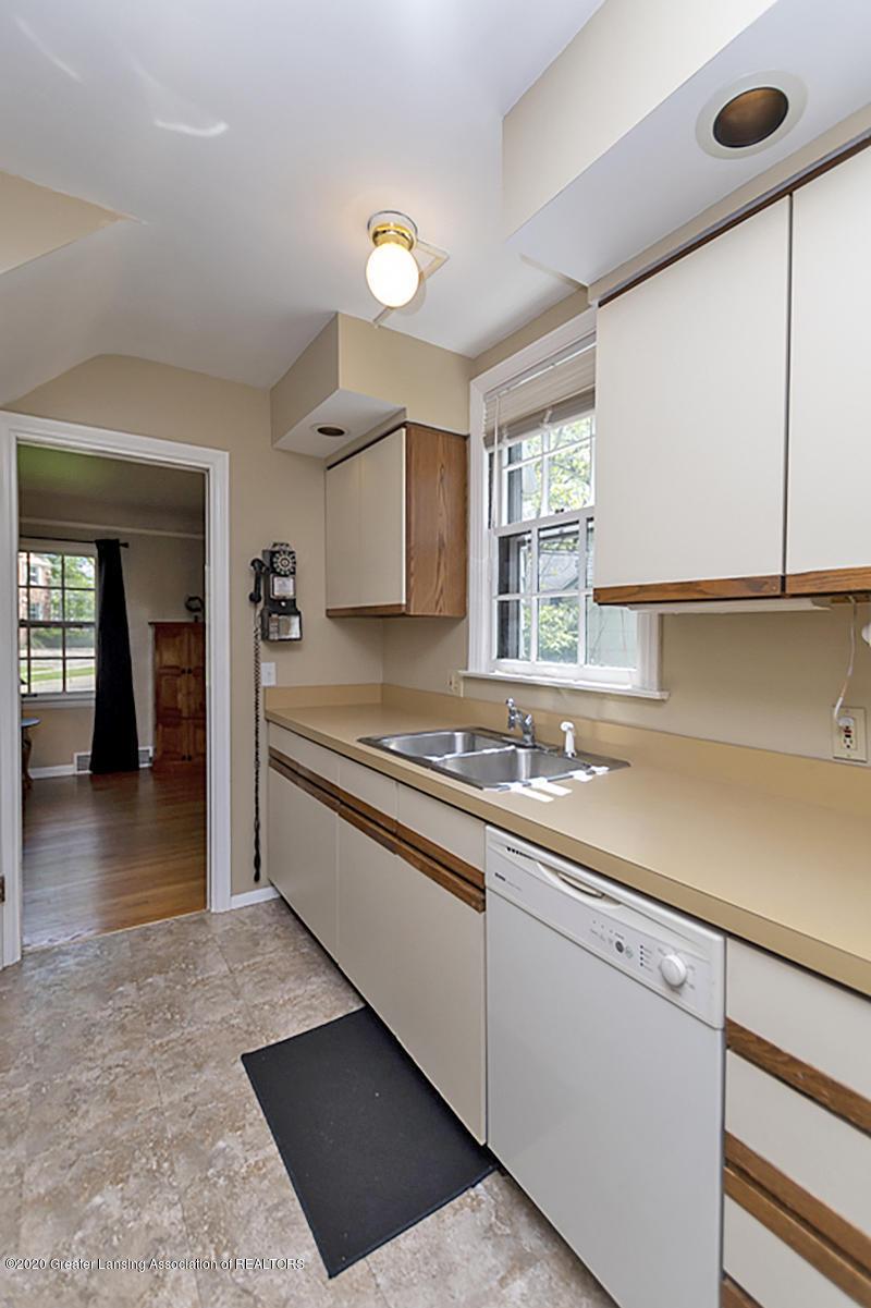 819 Huntington Rd - Kitchen - 11