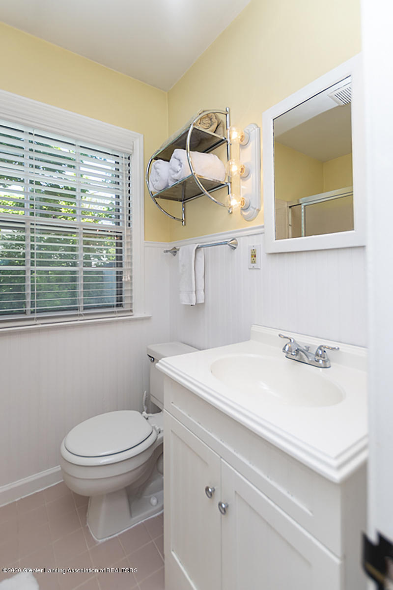 819 Huntington Rd - Bathroom - 14