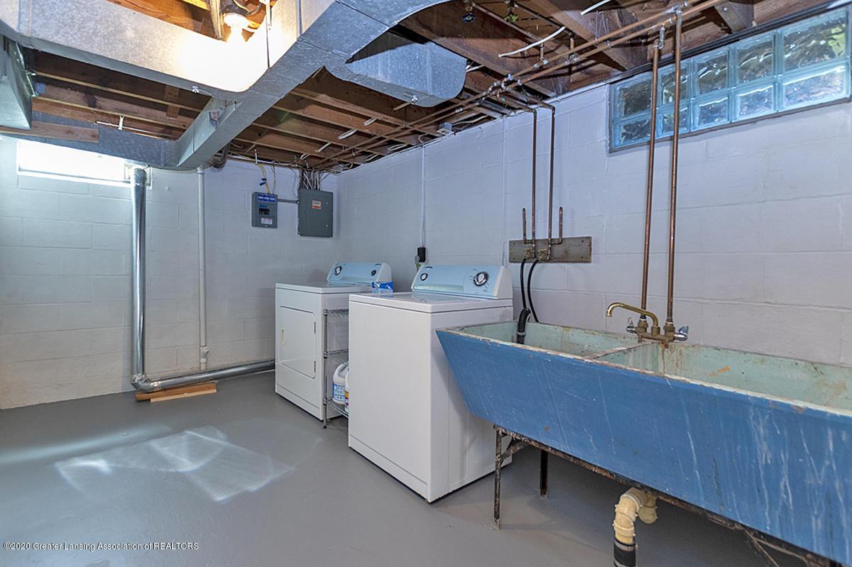 819 Huntington Rd - Laundry - 21