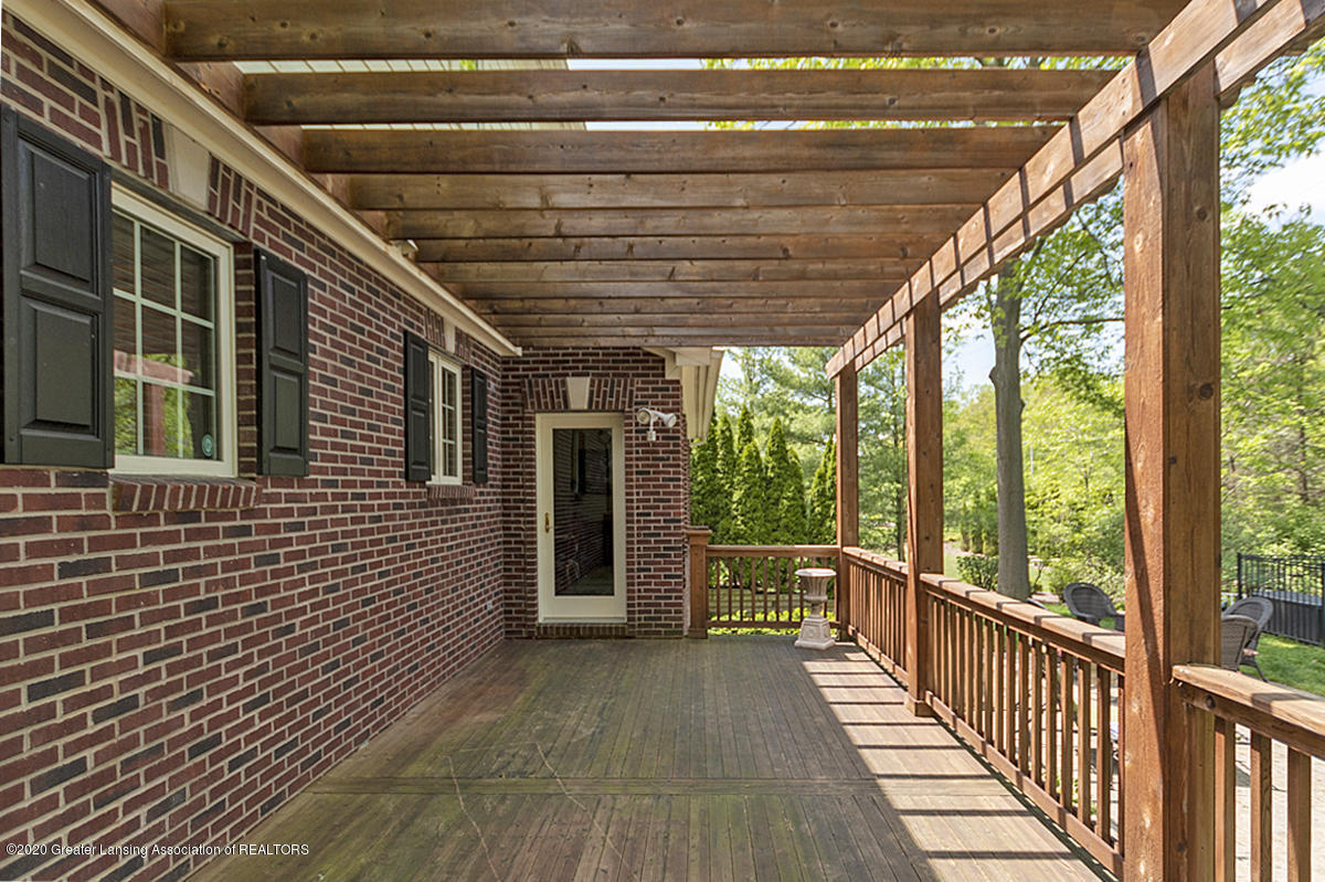 1984 Belwood Dr - DECK AND PERGOLA - 41