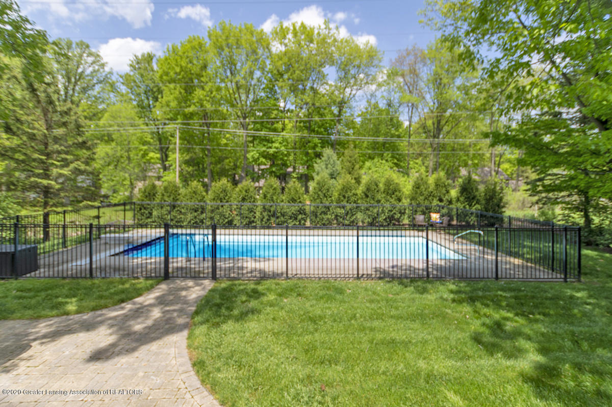 1984 Belwood Dr - IN GROUND POOL - 42