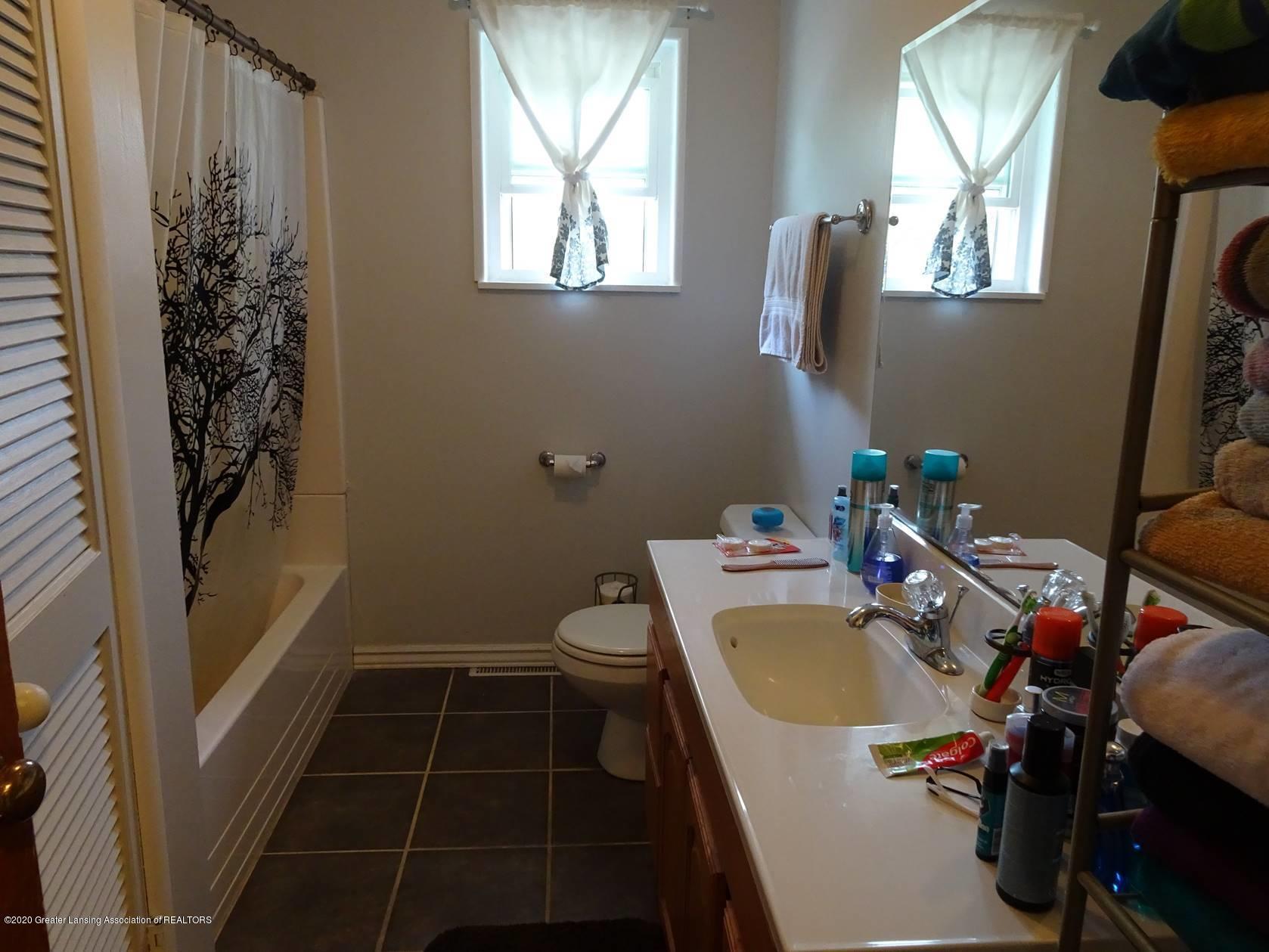 5354 N Michigan Rd - Bathroom - 6