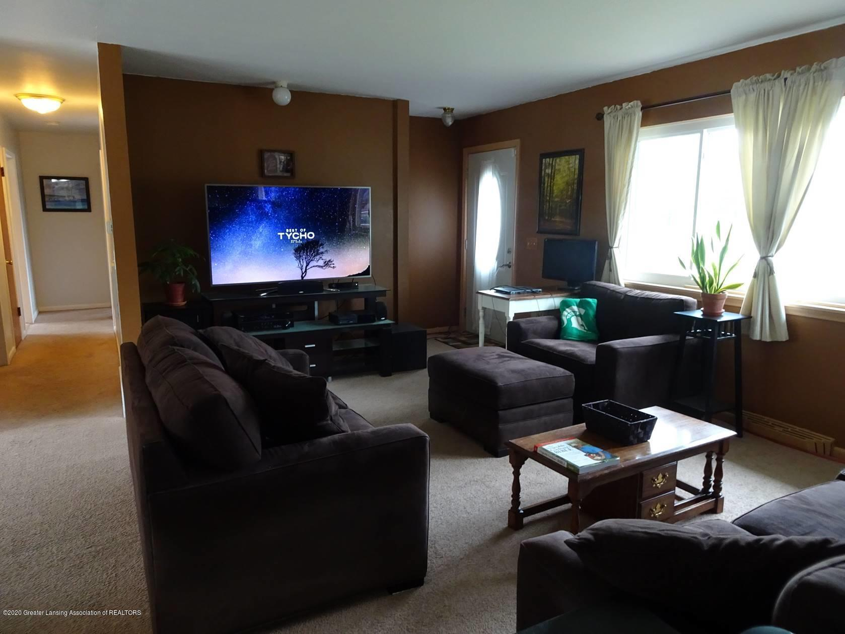 5354 N Michigan Rd - Family Room - 9