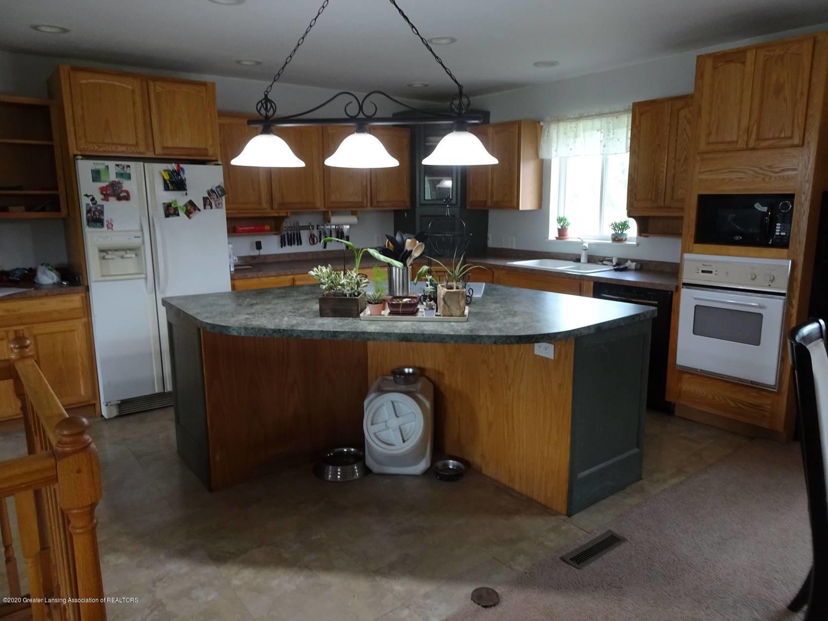 5354 N Michigan Rd - Kitchen - 2