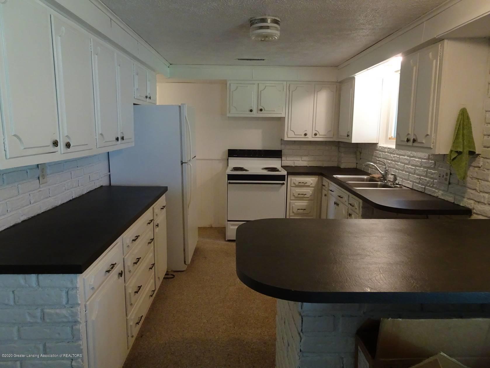 5354 N Michigan Rd - Kitchen - 7