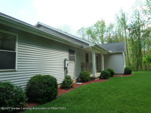 1395 S Lacey Lake Rd - Front 3 - 56