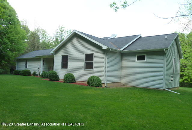 1395 S Lacey Lake Rd - Front - 54