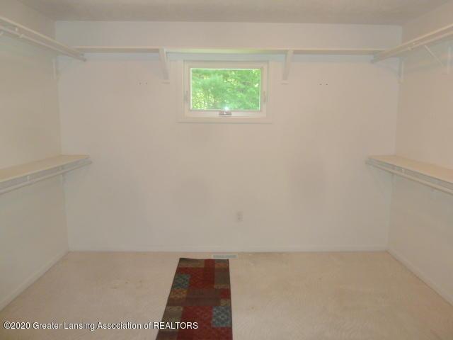 1395 S Lacey Lake Rd - Master Closet - 26