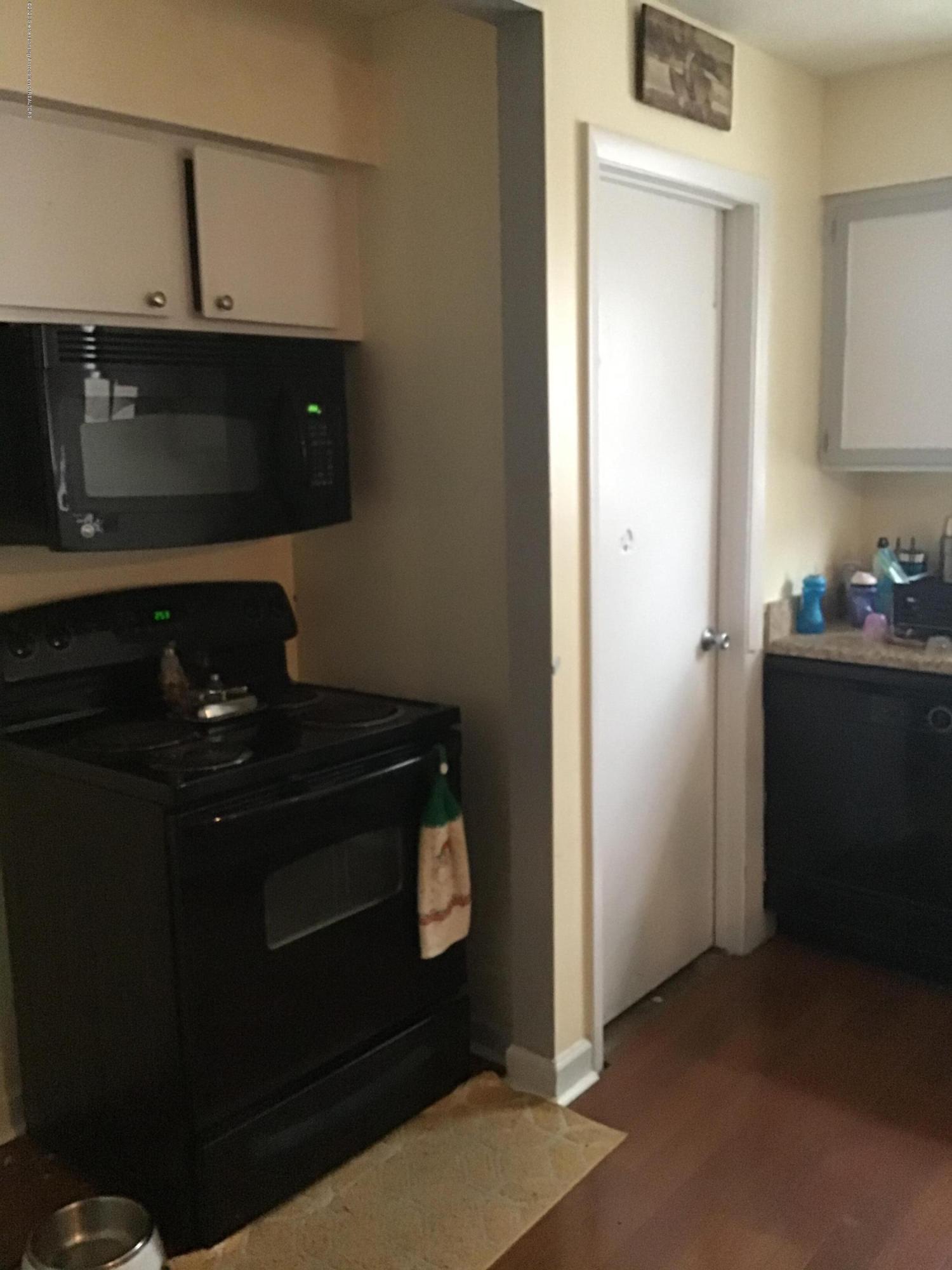 1408 Marquette St - Kitchen - 7